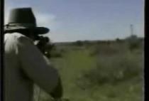 Охотник на львов с винтовкой