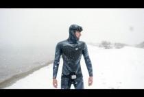 Подводный охотник на снегу