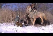 Охотник с добытым волком