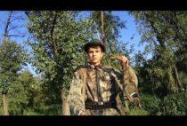 Охотник с добытой уткой